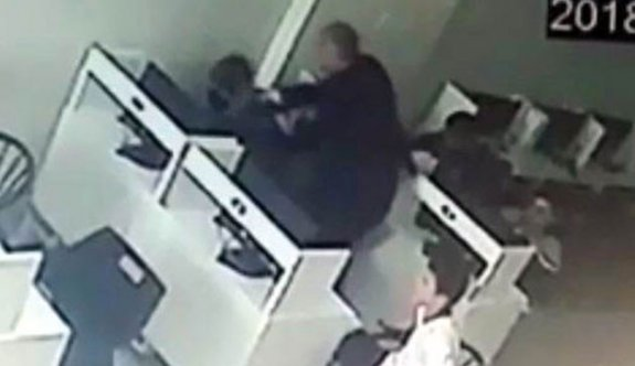 Okuldan kaçan oğlunu, internet kafede dövdü