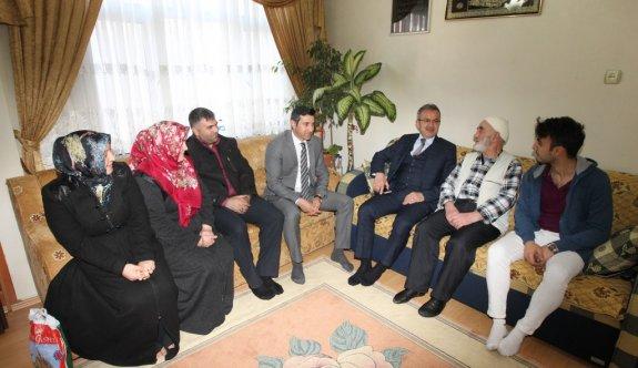Başkan Köşker'den Ev Ziyaretleri