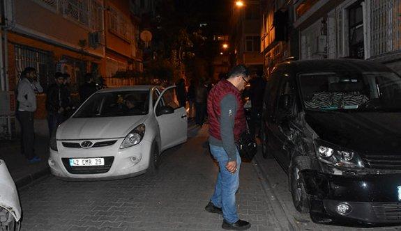Fatih'te ara sokağa giren TIR dehşet saçtı