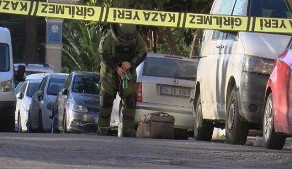 Güngören'de sokağa bırakılan 2 çanta fünye ile patlatıldı