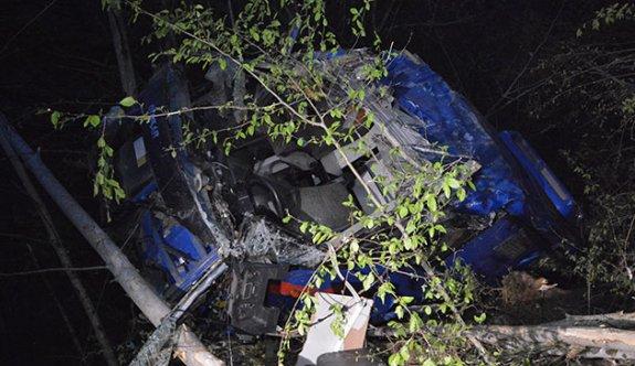 Karabük'te cezaevi nakil aracı uçuruma yuvarlandı: 2 şehit, 15 yaralı