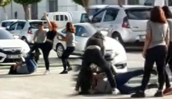 Kızların tekme tokat kavgası