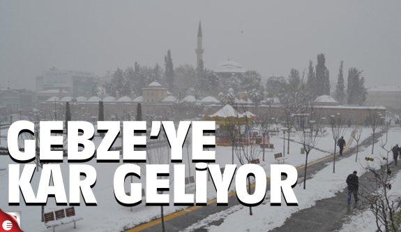 Gebze'ye kar geliyor