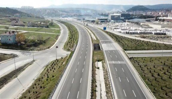 Bilecik'i büyükşehirlere bağlayan kara yolu sessizliğe büründü