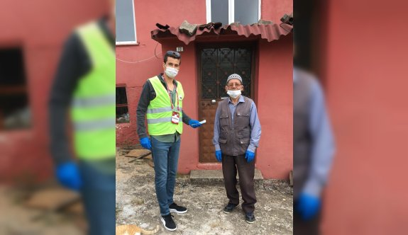 89 yaşındaki Esat dededen Milli Dayanışma Kampanyası'na destek