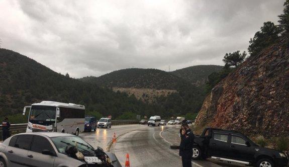 Bilecik'te zincirleme trafik kazası: 5 yaralı