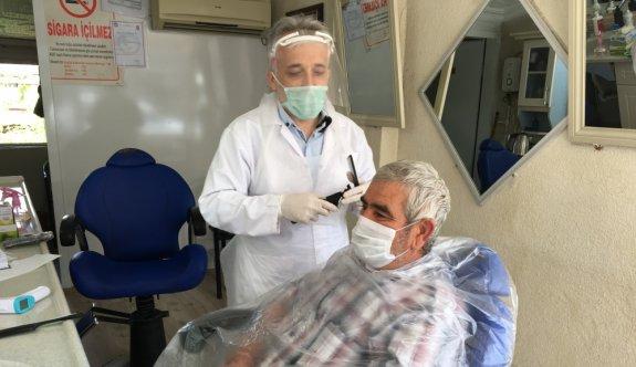 Sağlık çalışanlarına ücretsiz bayram tıraşı