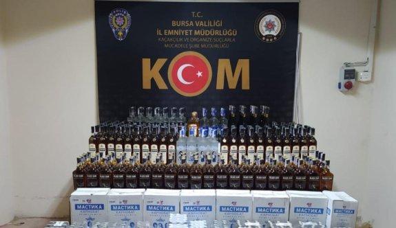 Tırda yaklaşık 2 bin şişe kaçak içki ele geçirildi