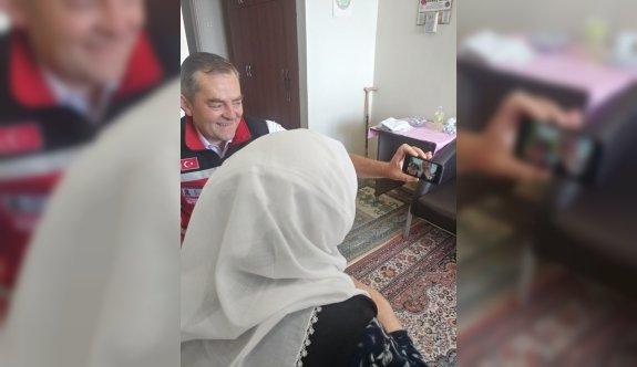 Edirne Valisi Canalp huzurevindeki yaşlılar ile sanal ortamda bayramlaştı