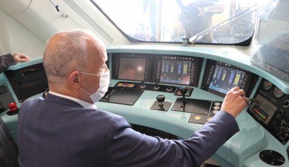 Türk-İş Başkanı Atalay, Milli Elektrikli Tren Seti'ni inceledi