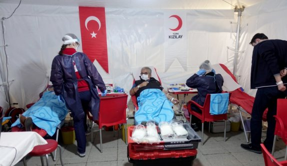 Kan bağışçılarına