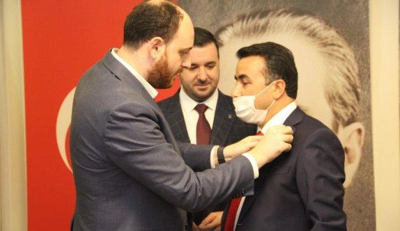 Tavşanlı Belediye Başkanı Kaçar, AK Parti'ye geçti