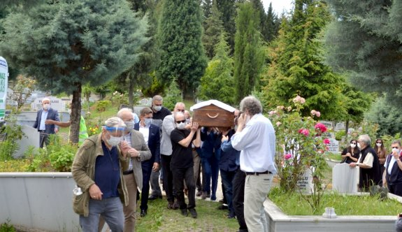 Yazar ve felsefeci Oruç Aruoba Kocaeli'de son yolculuğuna uğurlandı