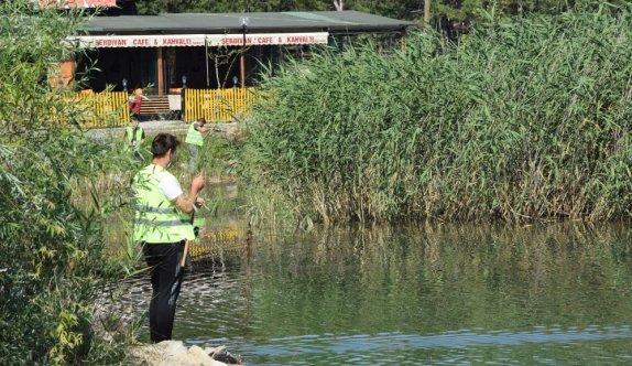 Bilecik'te turna balığı yakalama yarışmasında kadın avcı birinci oldu