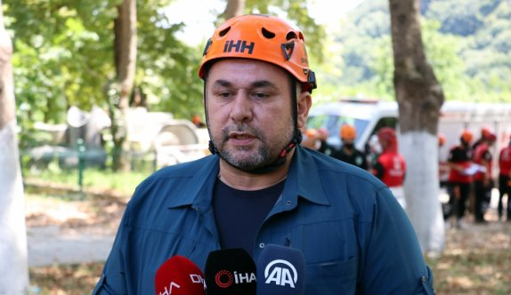 Sakarya'da gerçeği aratmayan kentsel arama kurtarma tatbikatı