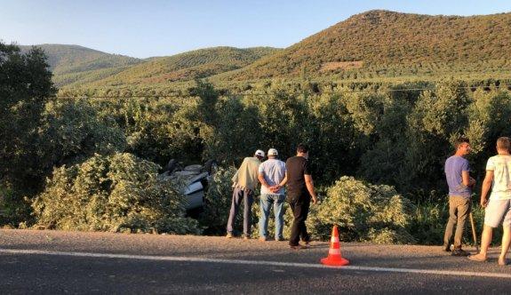 Bursa'da hafif ticari araç devrildi: 5 yaralı