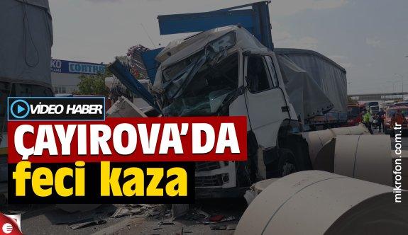 Çayırova'da kağıt yüklü tır park halindeki tıra çarptı: 1 yaralı