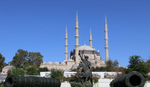 Selimiye'yi ziyaret eden turistler Kovid-19 tedbirlerinden memnun