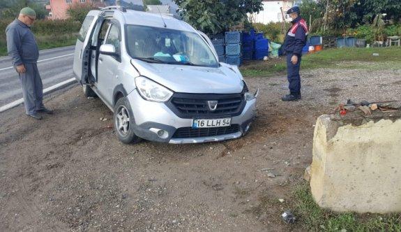 Bilecik'te hafif ticari aracın direğe çarptığı kazada 1 kişi öldü