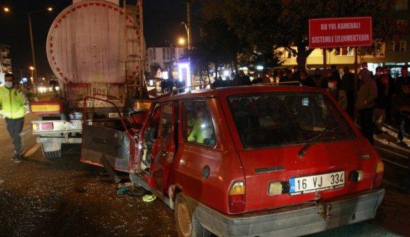 Bursa'da otomobil tankere çarptı: 1 ölü, 2 yaralı