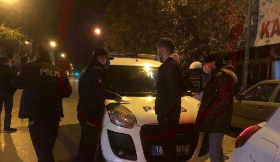 Bursa'da sokağa çıkma kısıtlamasına uymayan 2 kişiye 7 bin lira ceza