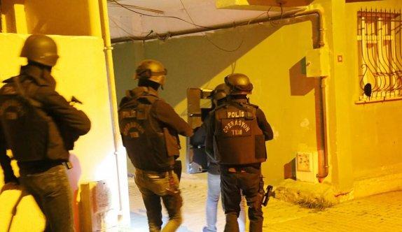 İstanbul'da terör örgütü PKK'ya yönelik operasyonda 8 kişi gözaltına alındı