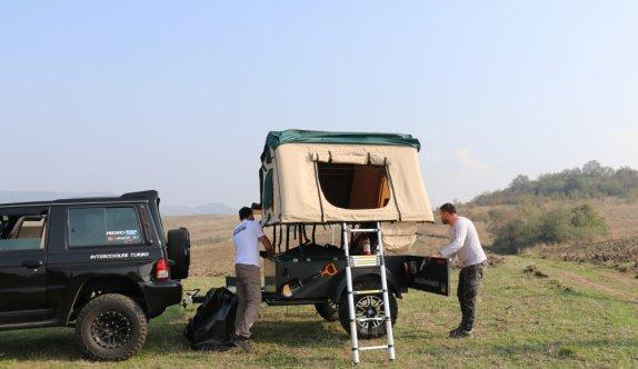 Off-road tutkunu kardeşler, ihtiyaçları için yaptıkları kamp römorkörüne talep artınca seri üretime geçti