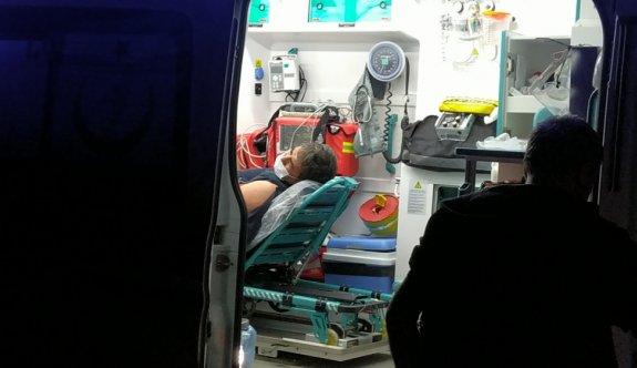Sakarya'da tırla kamyon çarpıştı: 2 yaralı