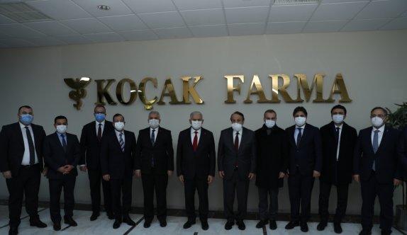 AK Partili Yıldırım, Tekirdağ'da aşı çalışmalarının sürdüğü fabrikaya gitti
