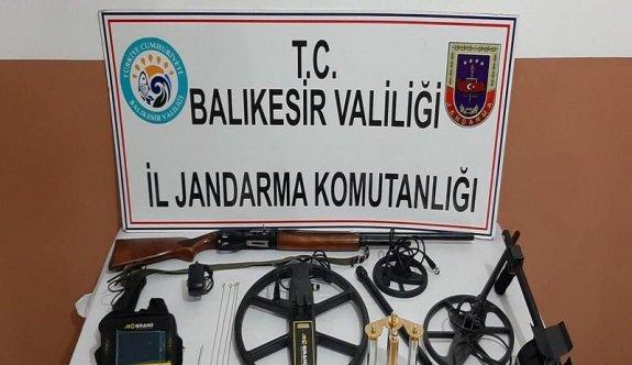 Balıkesir'de tarihi eser kaçakçılığı operasyonunda 5 şüpheli yakalandı