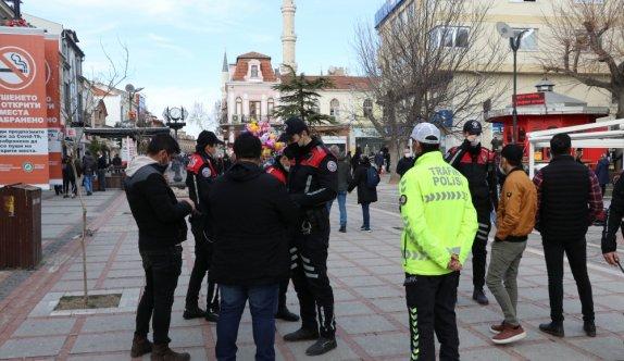 Edirne'de hakkında 3 yıl 1 ay hapis cezası bulunan hükümlü Kovid-19 denetiminde yakalandı