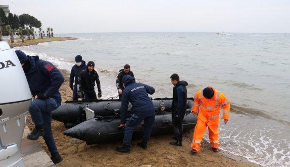 GÜNCELLEME - Yalova'da sandalla açıldığı denizde kaybolan kişiyi arama çalışmaları sürüyor