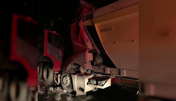 Kırklareli'nde tırla kamyonet çarpıştı: 2 yaralı