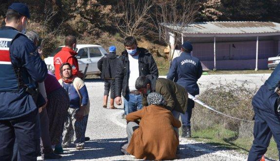 Balıkesir'de devrilen traktördeki 2 kişi öldü