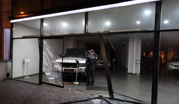 Bursa'da galeriden otomobil hırsızlığı