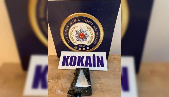 Bursa'da uyuşturucu araması yapan polis, otomobil lastiğine gizlenmiş kokain ele geçirdi