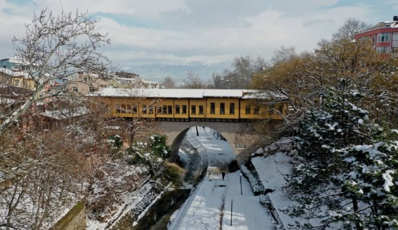 Bursa'nın tarihi ve doğal güzellikleri beyaz örtüyle kaplandı