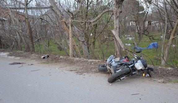 Çanakkale'de köpeğe çarpmamak için manevra yapan motosiklet sürücüsü öldü