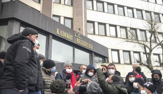 Kadıköy Belediyesi TİS'in imzalandığını duyurdu, işçiler tepki gösterdi