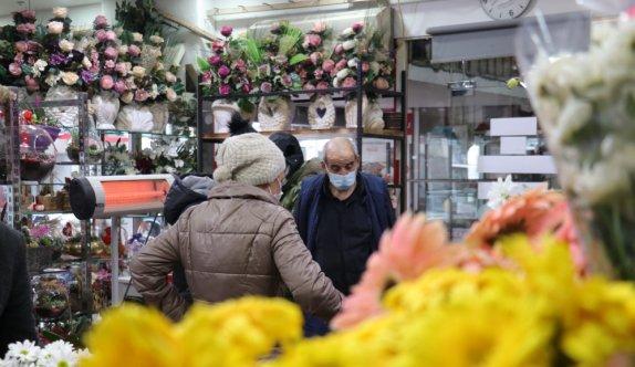 Sakarya'da çiçekçilerin 14 Şubat Sevgililer Günü mesaisi