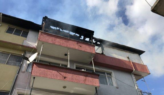 Sakarya'da çıkan yangında Suriyeli ailenin kaldığı ev kullanılamaz hale geldi