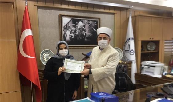 Tekirdağ'da yaşayan Gürcistanlı Elza Vysotskaya Müslümanlığı seçti