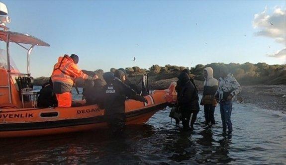Ayvalık'ta adada mahsur kalan 29 sığınmacı kurtarıldı