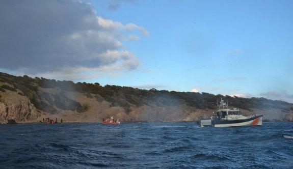 Ayvalık'ta adada mahsur kalan 33 sığınmacı kurtarıldı