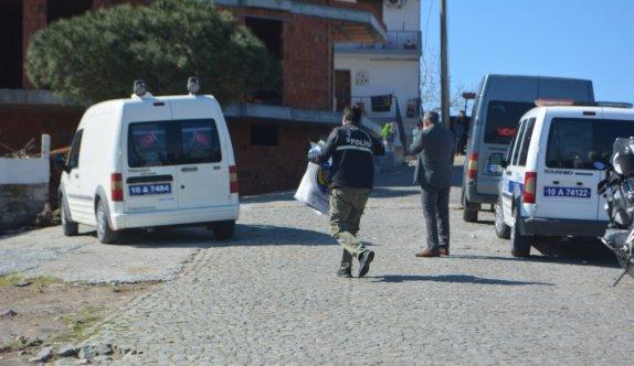 Ayvalık'ta arazide cesedi bulunan bebeğin annesi olduğu iddia edilen genç kadın tutuklandı
