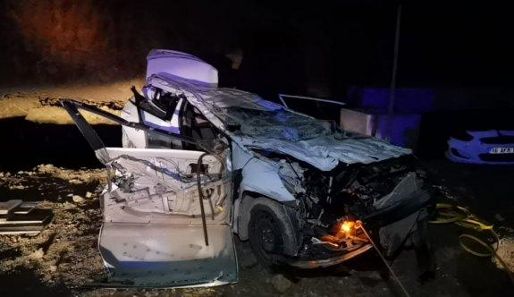 Bursa'da inşaat alanına devrilen otomobildeki 2 kişi öldü