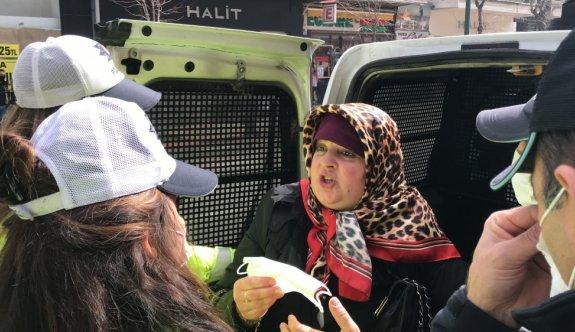 Bursa'da maske takmamak için direnen kadın ve annesi hakkında işlem yapıldı
