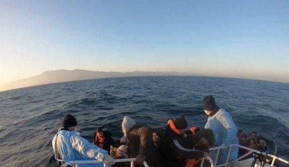Çanakkale açıklarında 69 sığınmacı kurtarıldı