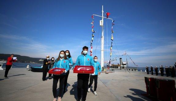 Çanakkale Deniz Zaferi'nin 106'ncı yılı etkinlikleri Çimenlik Kalesi'ndeki törenle başladı
