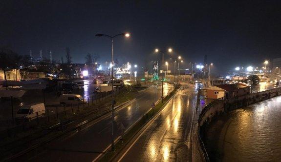 Doğu Marmara ve Batı Karadeniz'deki 5 il, sokağa çıkma kısıtlamasıyla sessizliğe büründü